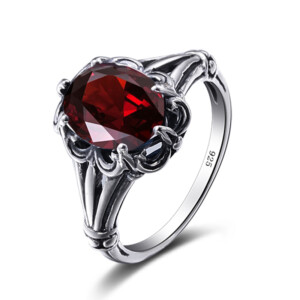 Bunched Love Ring Silver (Garnet)
