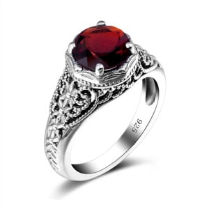 Circle of Elegance Ring (Garnet)